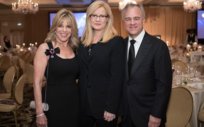 Better Makers: Bonnie Hunt Emcees Envision Gala for the Digestive Health Foundation